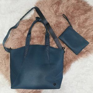 Lululemon All Day Tote Water Repellent Large